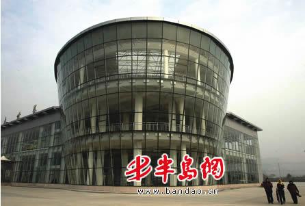 张村花卉大世界位于崂山区张村
